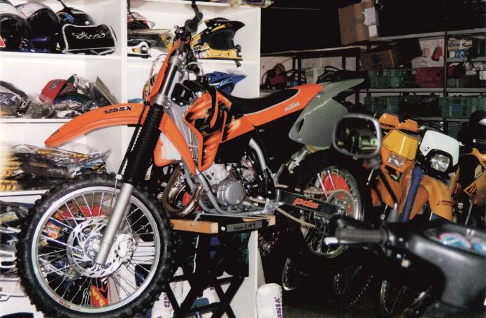 Myymälää 1990-luvulta