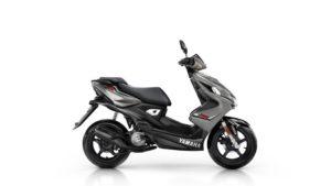 2016-Yamaha-Aerox-R-EU-Matt-Grey-Studio-002