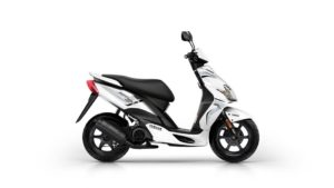 2016-Yamaha-JogR-EU-Competition-White-Studio-002